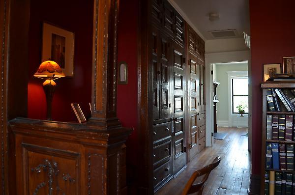 upper floor master bedroom suite