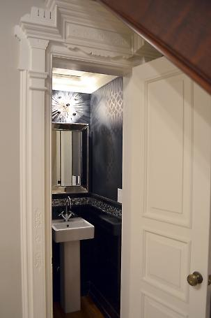 powder room at parlor floor